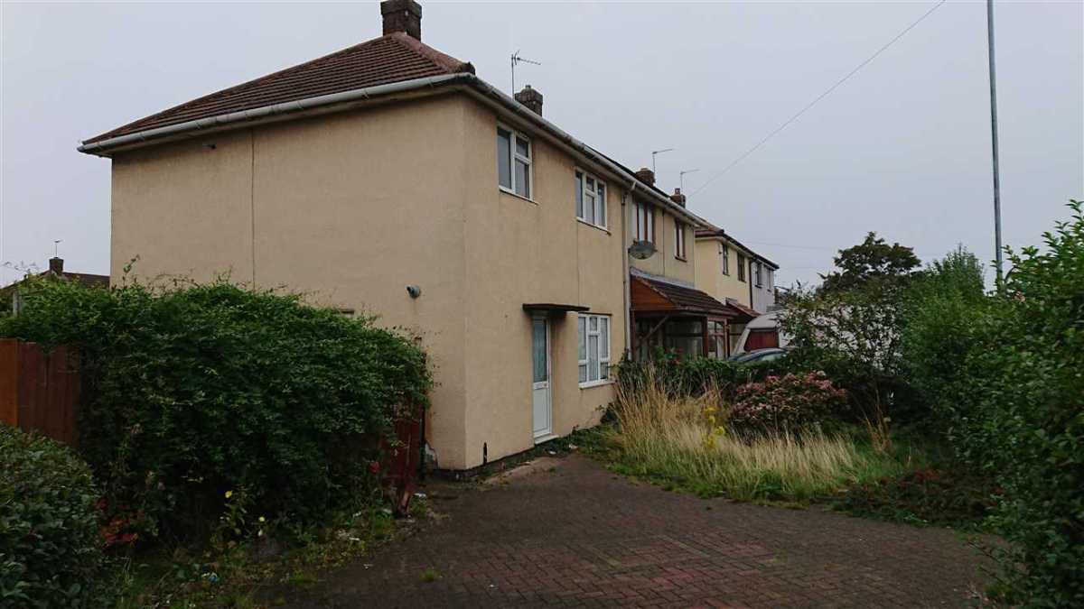 My BTL Deal Of The Day Is An Intriguing 3 Bed Semi Walsall, WS2 Which Could Yield 9.00%.